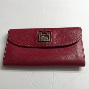 Dooney & Bourke Dillen Continental Clutch Wallet